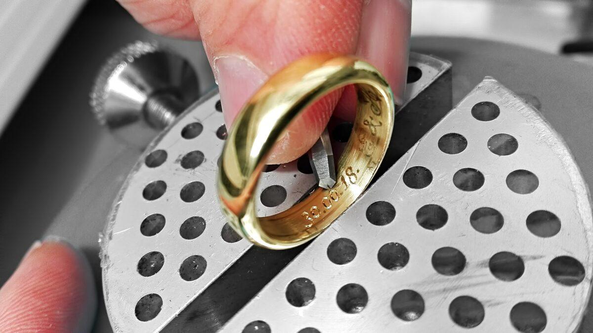 Laulību gredzena gravēšana